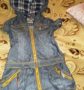 Джинсовое платье в хорошем состоянии