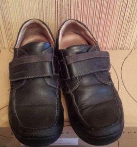 Ботинки  б/у для мальчика 35р