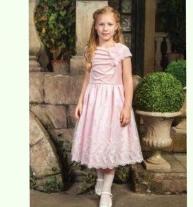 Новое праздничное платье разм 122 .