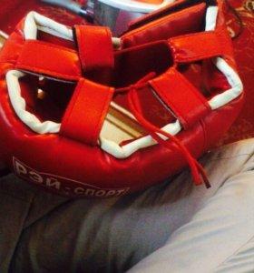 Продаю шлем боксерский
