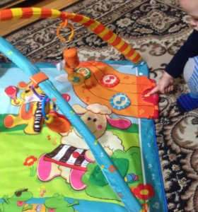 Развивающий,музыкальный коврик Tiny Love