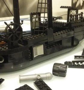 Лего корабль и человечки