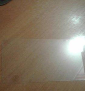 Закаленное защитное стекло на alkatel on tauch