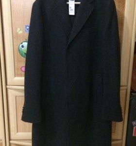 Абсолютно новое мужское пальто Benetton с биркой
