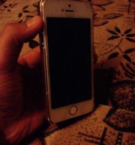 Продаю айфон 5s.