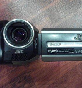 Видеокамера JVC GZ-MG130E