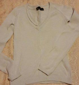 Белая кофта от Zara с V-образным вырезом