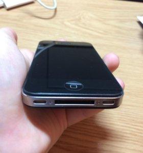 Продам айфон 4. Есть небольшие царапины .