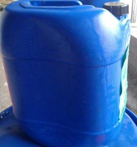 Канистры пластиковые 30-35 литров