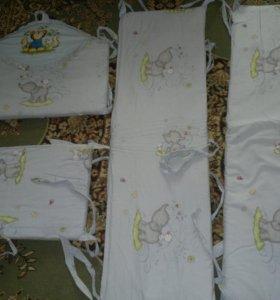 Бортики на кровать и постельное белье