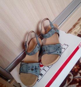 Новые сандалии Rieker
