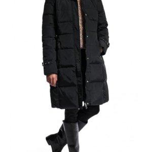 Пуховик зимний длинный новый с натуральным мехом