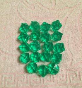 Декоративные пластиковые кристаллы