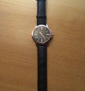 Мужские новые часы yazole (кварц)