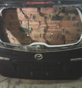 Дверь багажника Мазда премаси чёрная