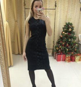 Платье бренда Vakko