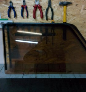 Боковые стекла 2107