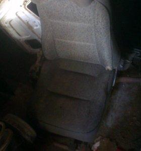 Передние сиденья ваз 2109-21099