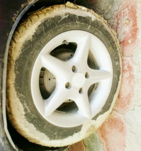Продам диски с шинами