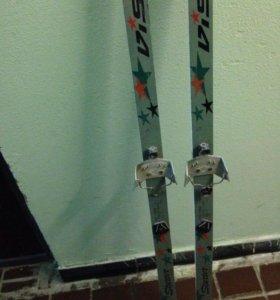 Лыжи-150 см, палки-110 см, ботинки лыжные-34 р-р