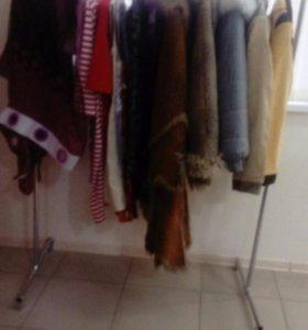 Зимние куртки, дубленки, платья, свитера,обувь.