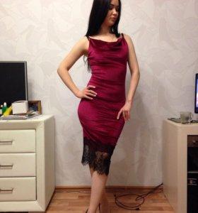 Платье коньячного цвета с кружевом