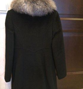 Пальто из плотной шерстяной ткани, с воротником