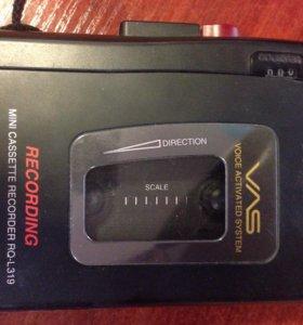 Диктофон / кассетный плеер