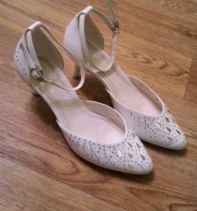 Свадебные туфли)