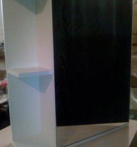 Шкаф для ванной комнаты с зеркалом.Новый