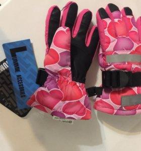 Новые Зимние перчатки и шапка