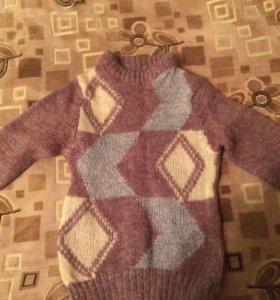 Продам тёплый свитер и вязаную жилетку 4-6 лет