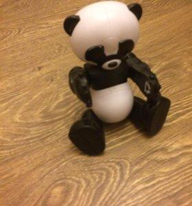 Робот Панда