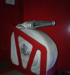 Шкаф пожарный + рукав+багор.