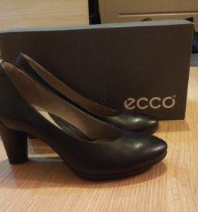 Продам новые туфли ECCO