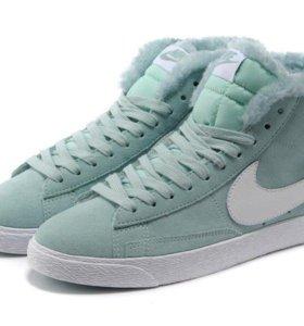 Nike кроссовки с мехом