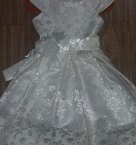 Платье на девочку 3,5 - 4,5 года
