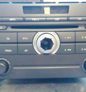Магнитола штатная на Mazda CX-7