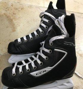 Коньки хоккейные детские CCM 93