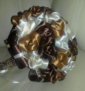 Букеты из атласных роз