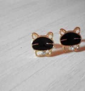 Сережки гвоздики кот