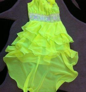 Платье со шлейфом (5-6 лет)