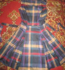 Красивое сильное платье 42-44