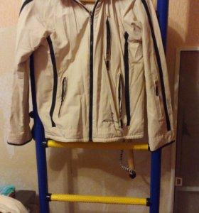 Спортивна куртка весна-осень