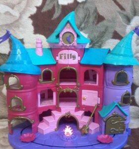 Зачарованный замок фили