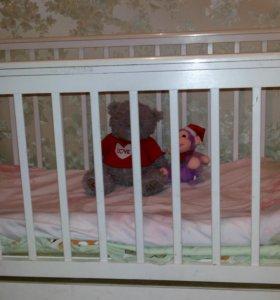 Детская кроватка качалка в очень хорошем состоянии
