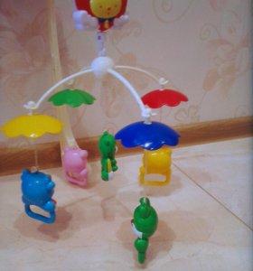 Карусель и игрушки