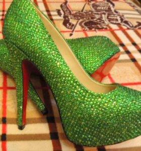 Туфли CL,новые