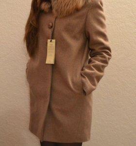 Новые зимние пальто с мехом чернобурки
