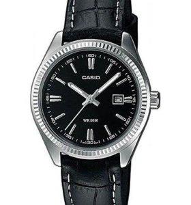Часы кварцевые женские Casio